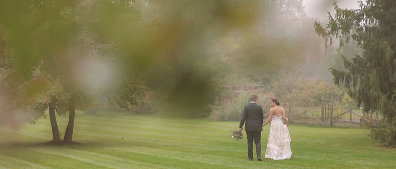 The couple's first look at Langdon Hall's beautiful garden
