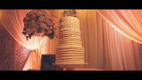 Emily and Steven's beautiful wedding cake.
