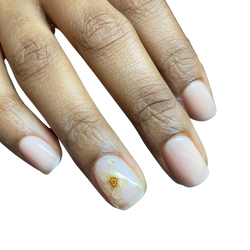 natural nail / dried flowers