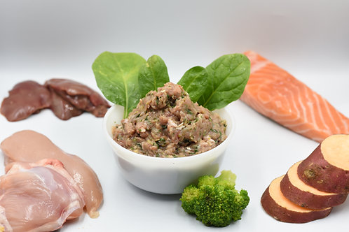Chicken and salmon raw meals for dogs
