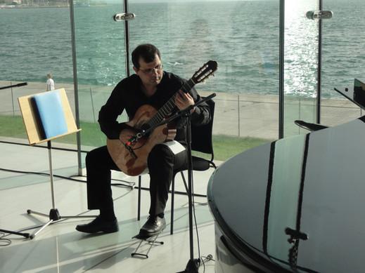Γιώργος Παπαδόπουλος  συνθέτης - κιθαριστής