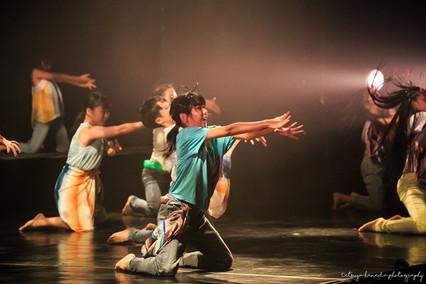 パティシエ、トラック運転手を経てダンサー、振付師になりプロカメラマン、デザイナーとして活動中。ウェディングや前撮り、家族写真、七五三、マタニティフォトなど記念日の撮影から、ダンスの発表会や舞台撮影、プロフィール写真、アー写、作品撮りまで人物撮影が得意。東京、横浜を中心に関東一円から全国どこへでも出張撮影をしています。 Photographer TETSUYA HANEDA カメラマン羽田哲也 宮崎県出身 神奈川県横浜市在住 出張撮影、出張カメラマン、お宮参