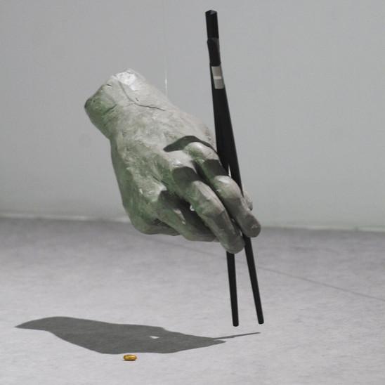 searching for golden rice 2019 Plastilin, Holz,  Reiskorn vergoldet 22x17x14 cm