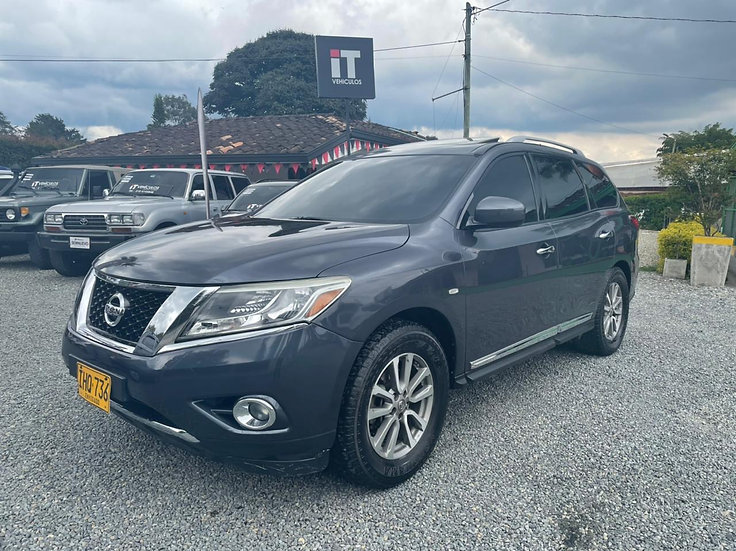 Nissan Pathfinder AT 2015