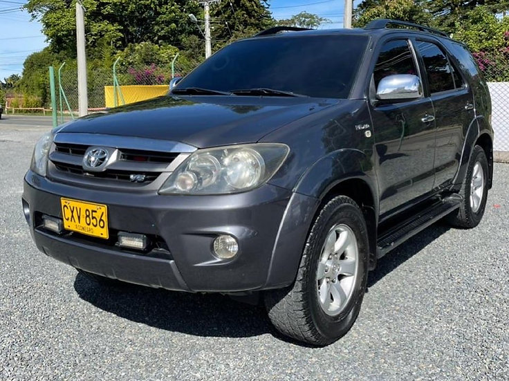 Toyota Fortuner AT 2008