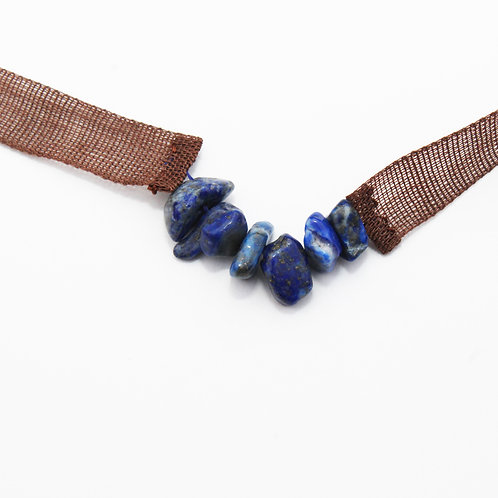 sautoir de gaze de ramie marron et lapis lazuli