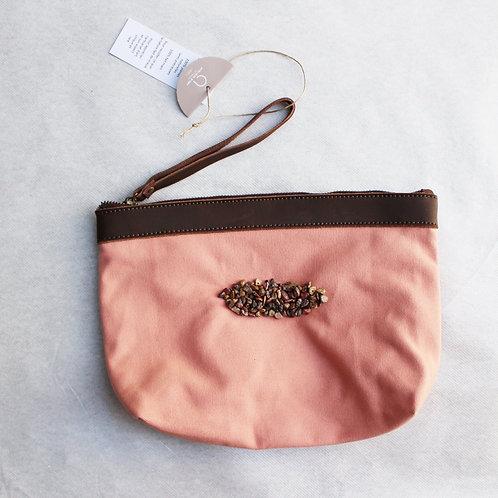 Pochette pèche pour tablette-broderies de jaspe léopard