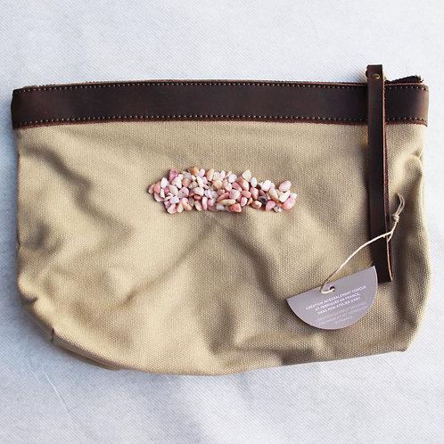 Pochette beige pour tablette -  broderies : opale rose