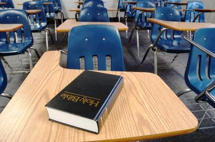La instrucción religiosa obligatoria en escuelas públicas es inconstitucional