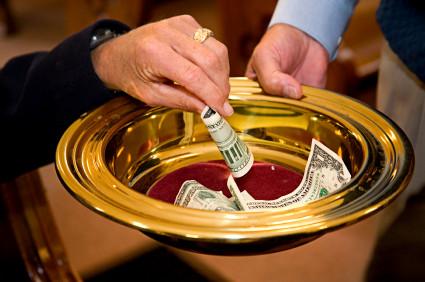 ¿La hora de la autofinanciación religiosa?