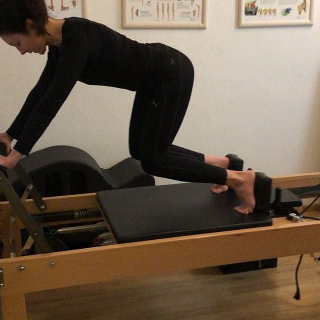 Looks so easy🤪#Gabča#pilatesreformer#pi