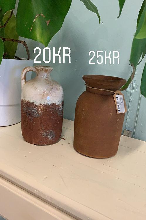 rusten keramik vase