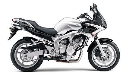 A Opetuspyöränä Yamaha FZ6