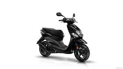 Opetus skootterina Yamaha Neos