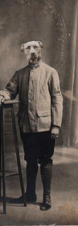 Louis Armand Deschien, photographié en 1914, avant son départ pour le front