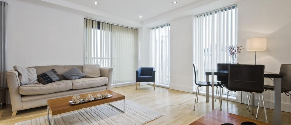 עיצוב הנמכת תקרה בסלון