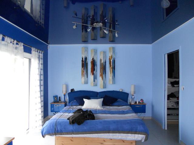 עיצוב הנמכת תקרה לחדר שינה