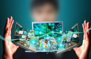 Aumentan los chilenos conectados a internet y cifra llega a 84% de accesos