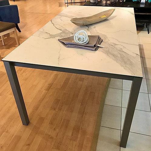 AMISCO Bennington Table
