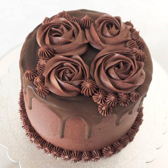 Vanilla Cake with Chocolate Buttercream and Chocolate Ganache