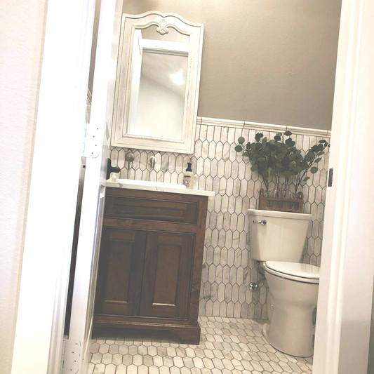 Bridal Suite Half Bath
