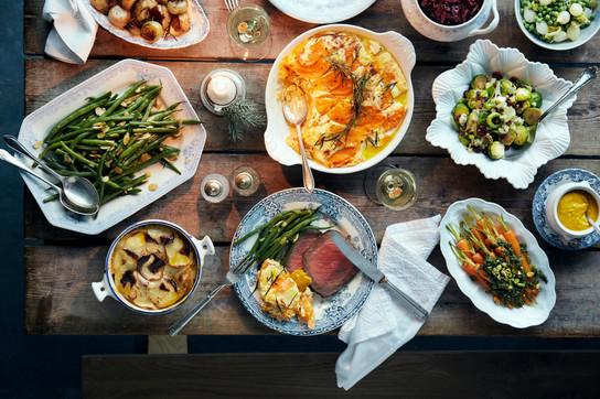 food-stylist-london-prop-stylist-london-sunday-roast-dinner-lunch-beef-gratin-veggies-sprouts-winter-cosy-gill-nicholas-stylist