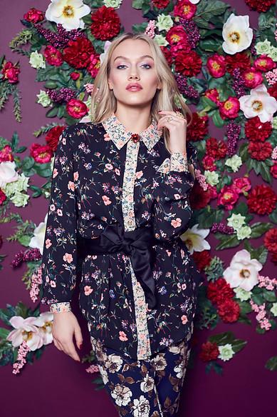 set-design-stylist-london-floral-trends-fashion-gill-nicholas-stylist