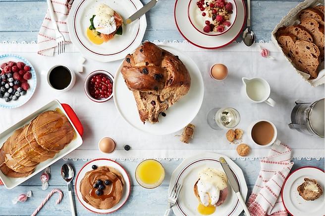 food-stylist-london-prop-stylist-breakfast-christmas-eggs-benedict-eggs-royale-homemade-fruit-bread-pancakes-granola-gill-nicholas-stylist