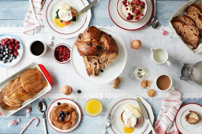 food-stylist-london-prop-stylist-breakfast-christmas-eggs-benedict-eggs-royale-homemade-fruit-bread-pancakes-granola-gill-nicholas-stylist