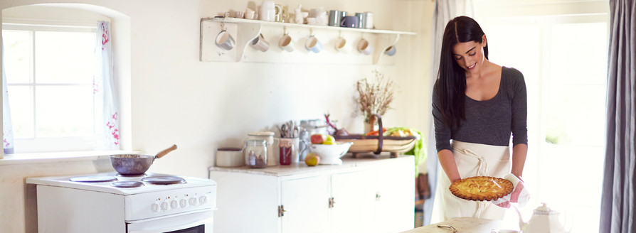 food-stylist-london-prop-stylist-set-stylist-set-design-london-apple-pie-autumn-baking-gill-nicholas-stylist