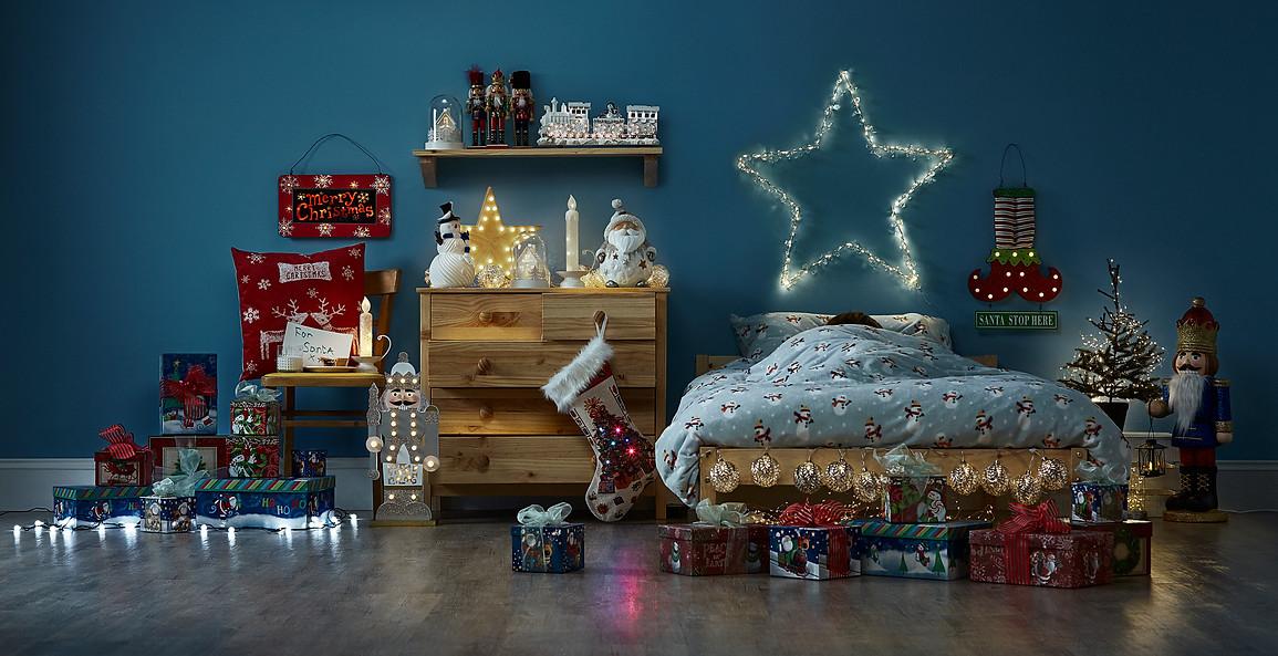 set-design-london-set-stylist-london-prop-stylist-london-christmas-decorations-childrens-bedroom-toys-gill-nicholas-stylist