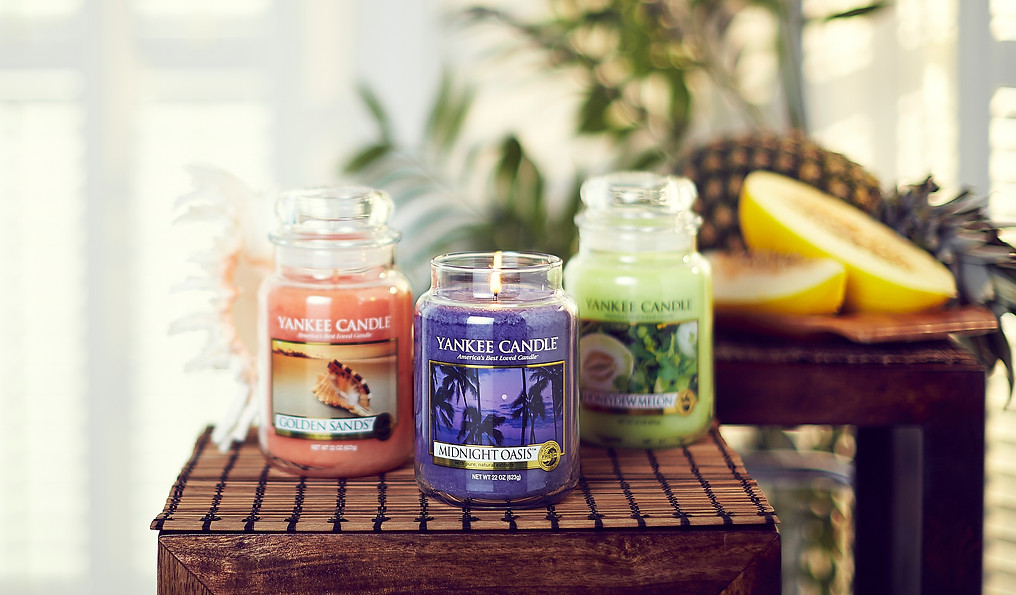 prop-stylist-london-product-stylist-london-yankee-candles-tropical-gill-nicholas-stylist-qvc