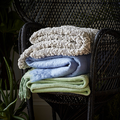 prop-stylist-london-set-design-london-bohemian-homeware-throw-blanket-peacock-chair-mohair-qvc-gill-nicholas-stylist