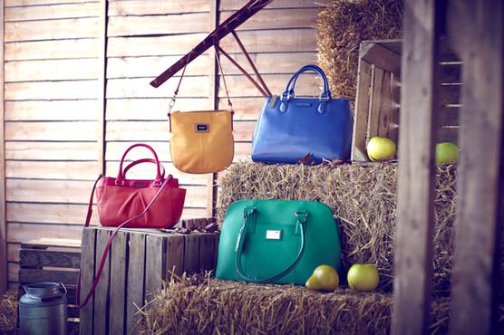 set-design-stylist-london-fashion-accessories-autumn-trends-gill-nicholas-stylist-gill-nicholas-stylist