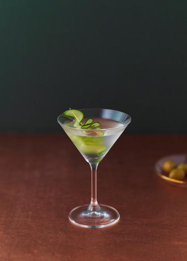 food-stylist-london-gin-martini-cocktail-gill-nicholas-stylist-drink-stylist-food-photography-prop-stylist