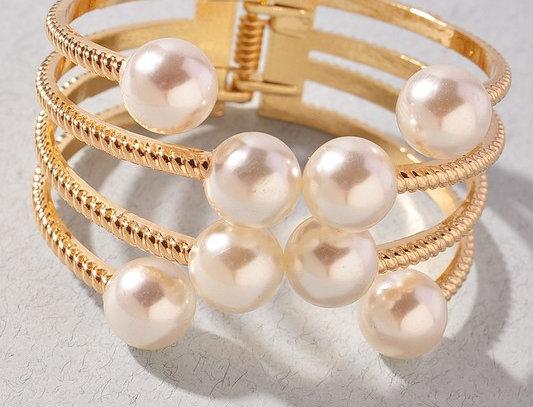 """""""Pearl Groove"""" Bracelet"""