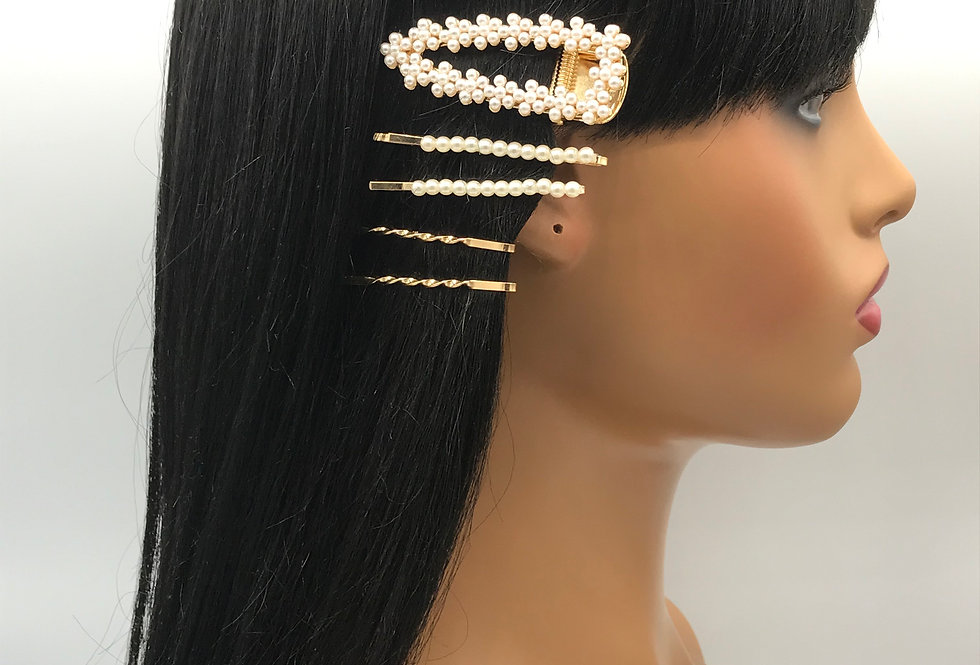 """Perfect Set of Pearls"" Hair Clips"