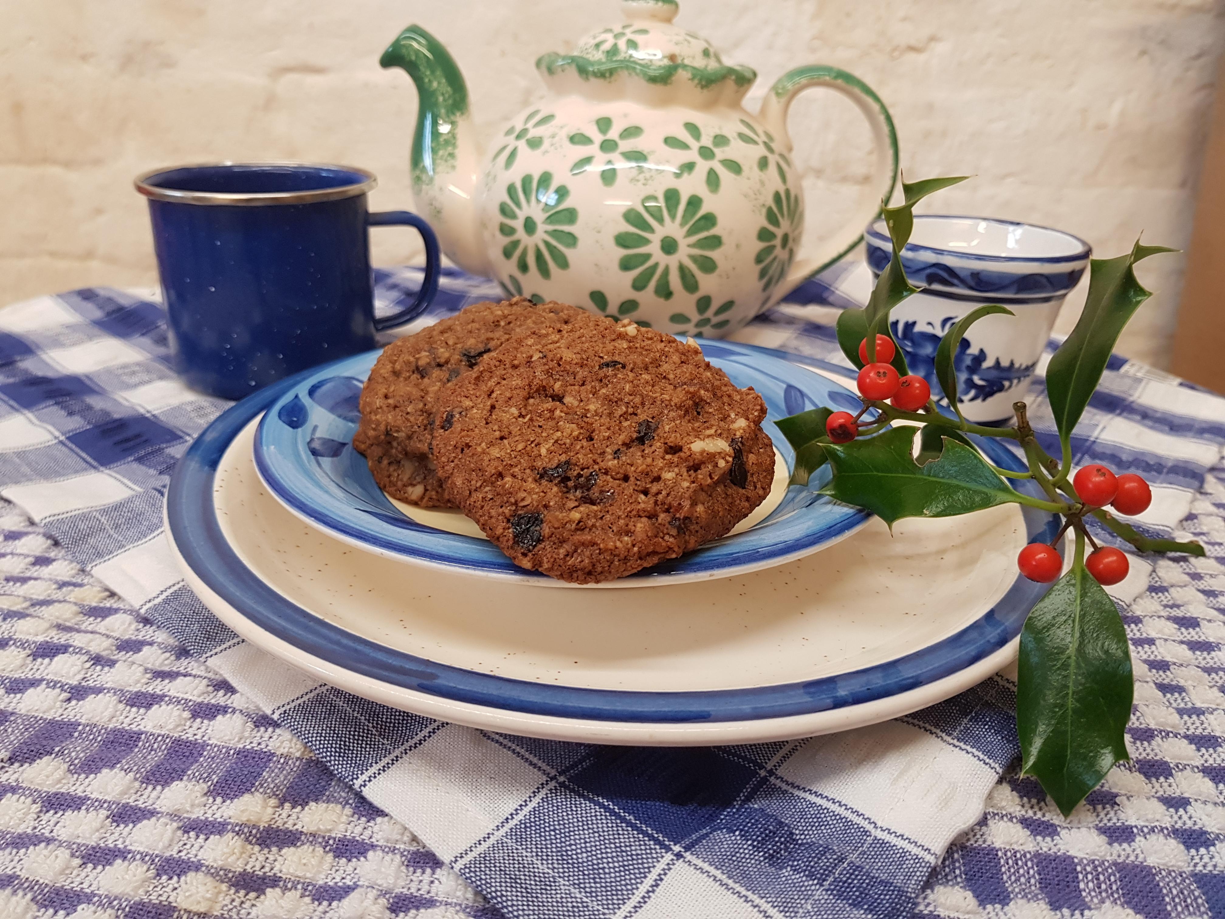 Organic Raisin and Walnut Cookies