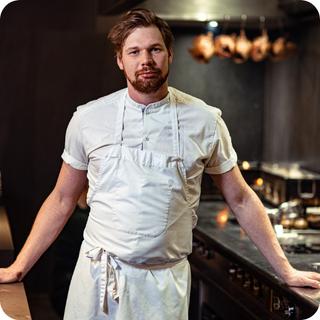 Simon Martin, Head Chef, mana