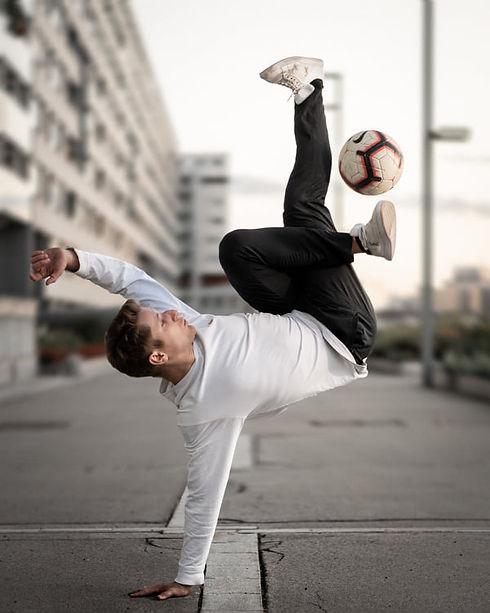 Martin Schopf Freestyle Fußball.jpg
