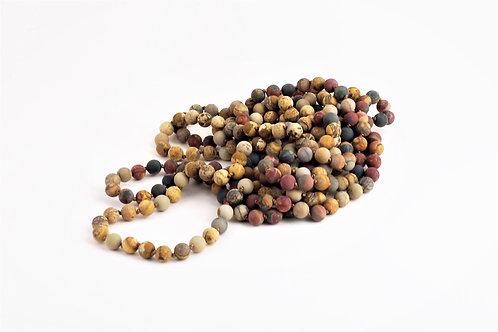 Cascade de perles de jaspe
