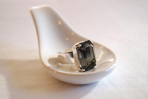 Le joyau de cristal sur lit d'argent