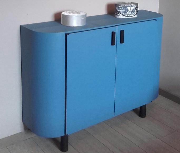 Commode bleue