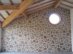 mur complet en fausses pierres