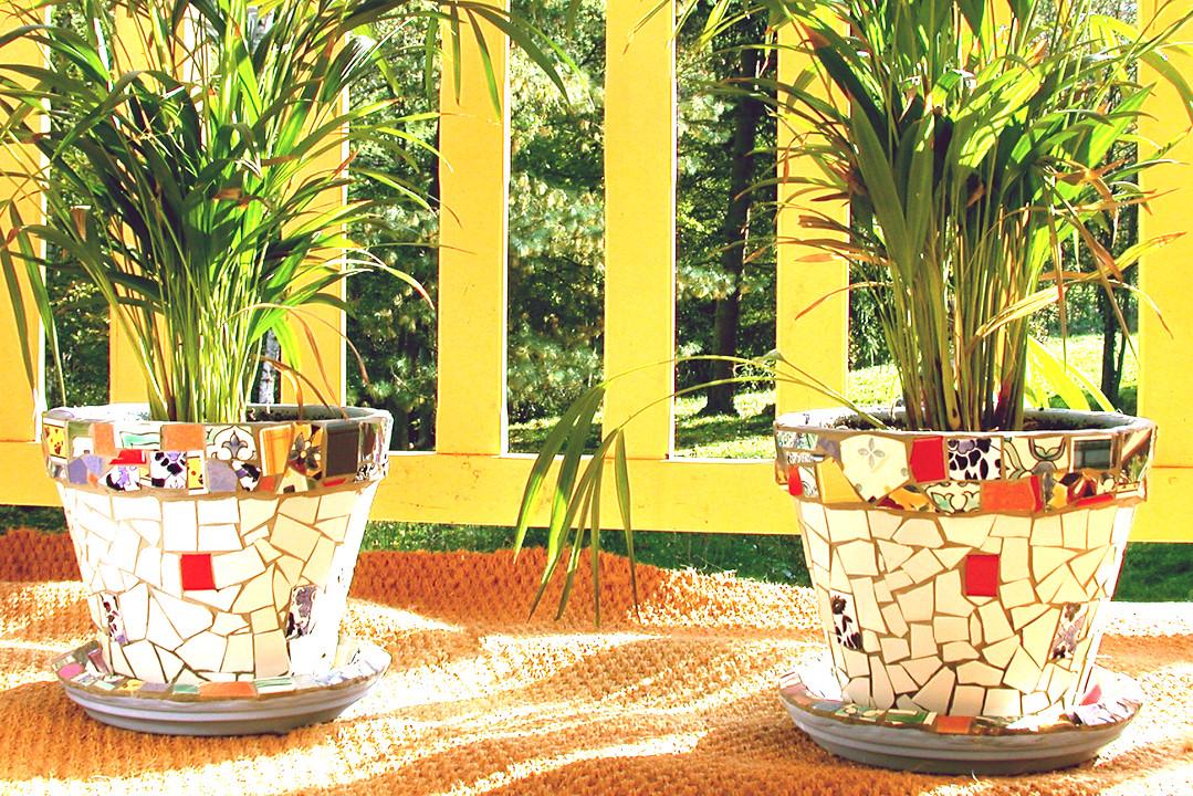 Pots mosaïque réalisés avec du carrelage