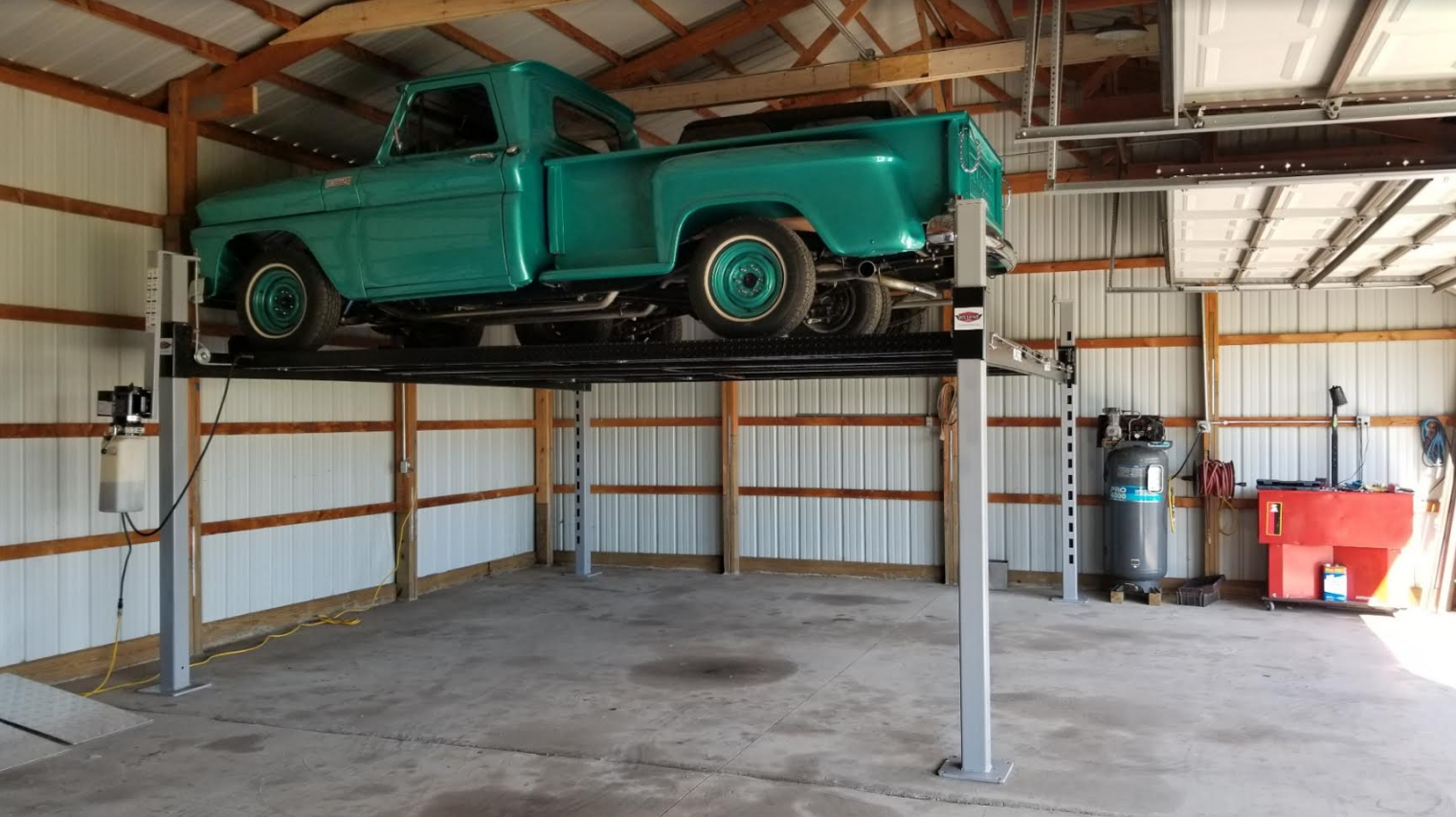 Double_Wide_Car_Lift_-_Wildfire_Lifts.pn