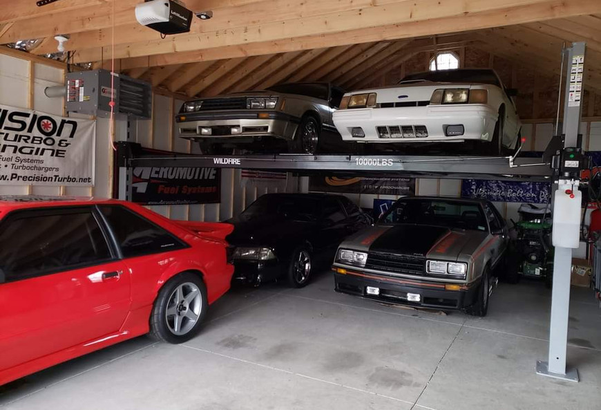 Double Wide Car Lift for Mustangs.jpg