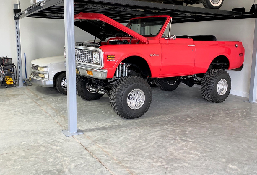 Wildfire Lifts Double Wide Car Lift.jpg