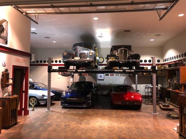 4 Post Double Wide Car Lift.jpg
