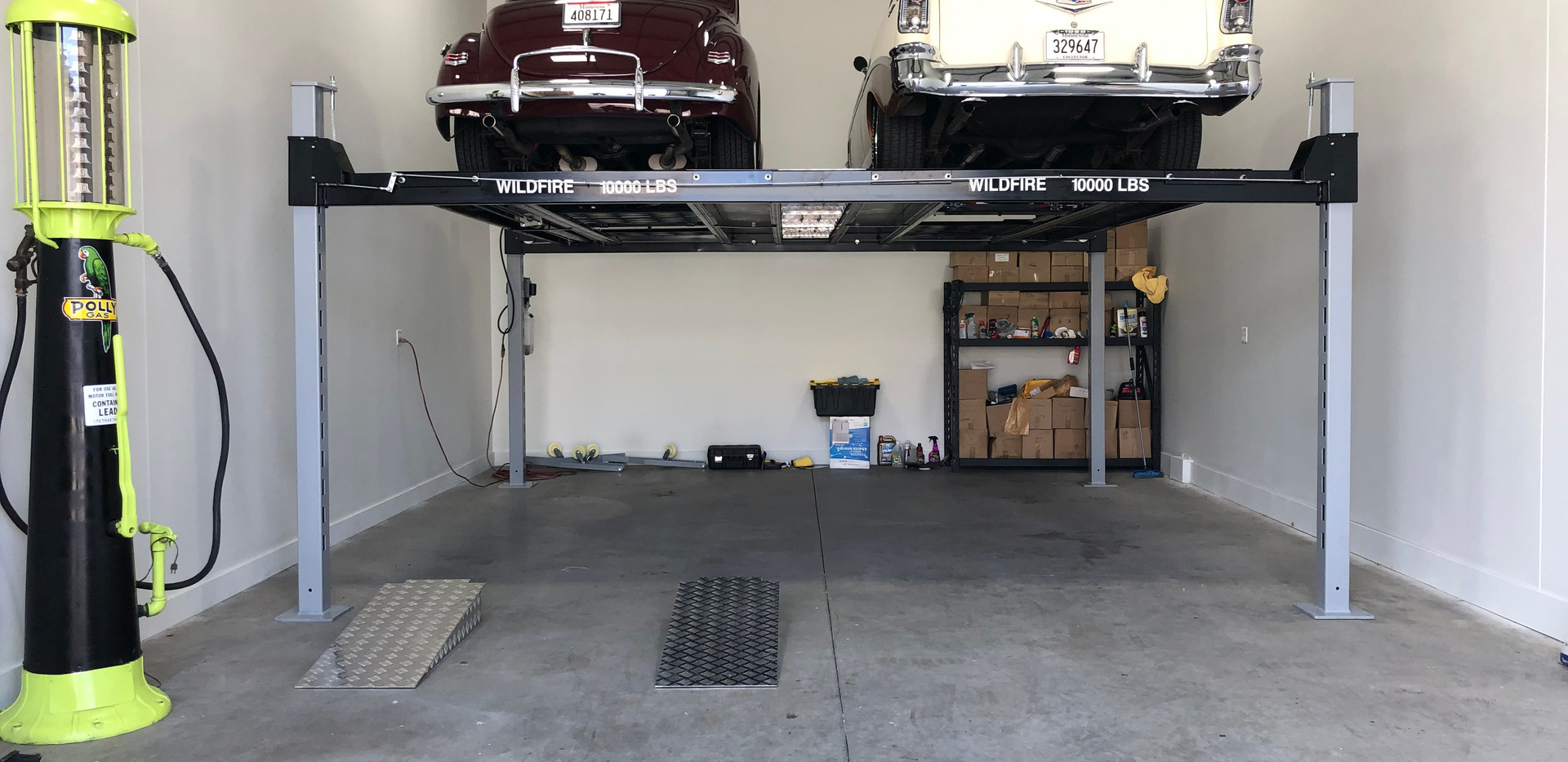 Double Wide Car Lift in Garage Condo.jpe